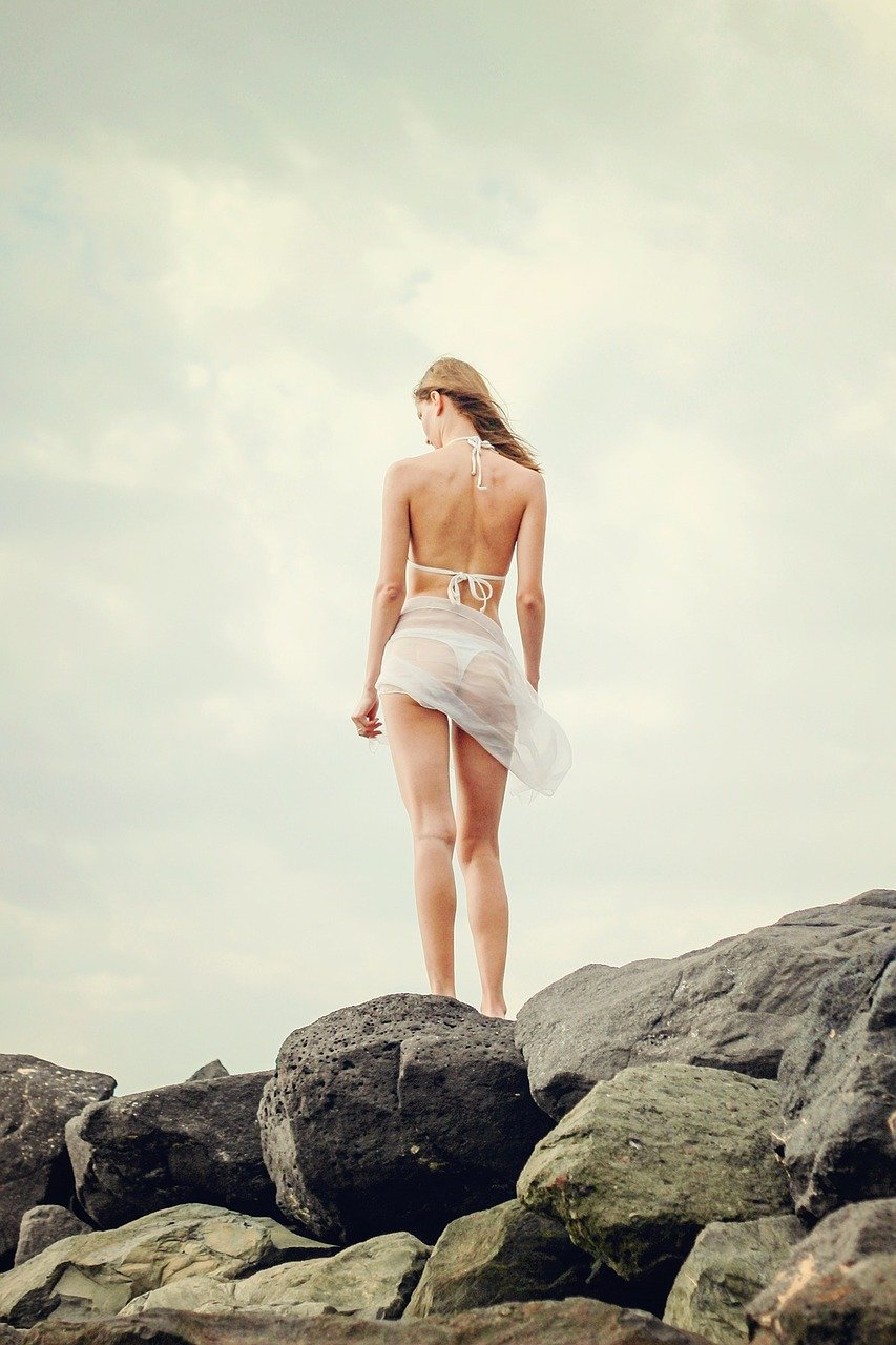 Im bikini frau nackt sexy German: 62,336